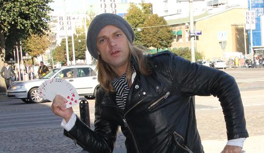 Carl-Einar Häckner roar en hel värld